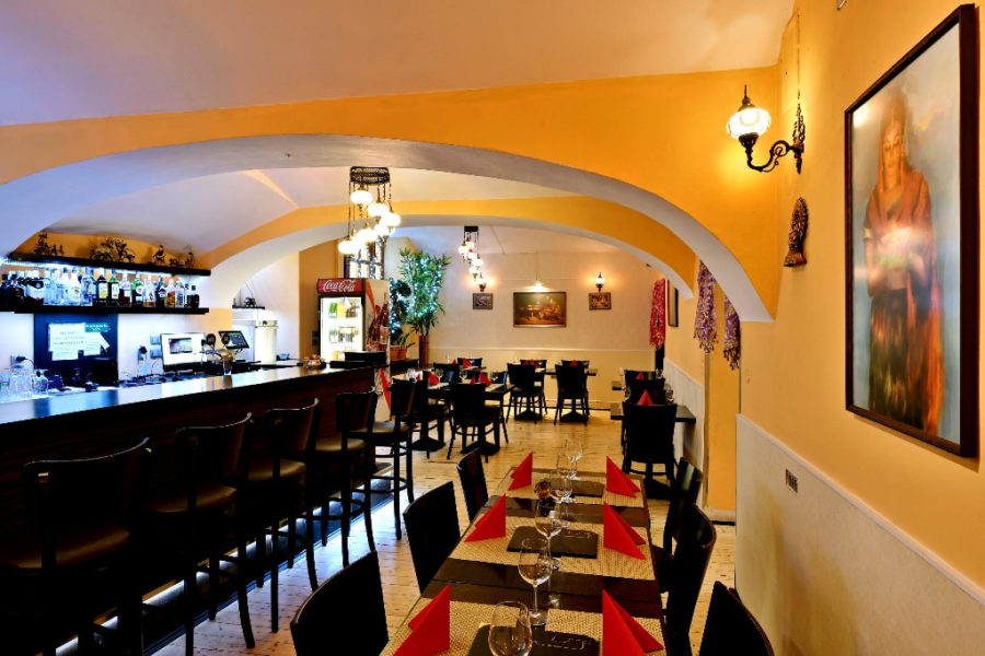 A Special Restaurant that Offers Indian Food Delivery Services in Prague