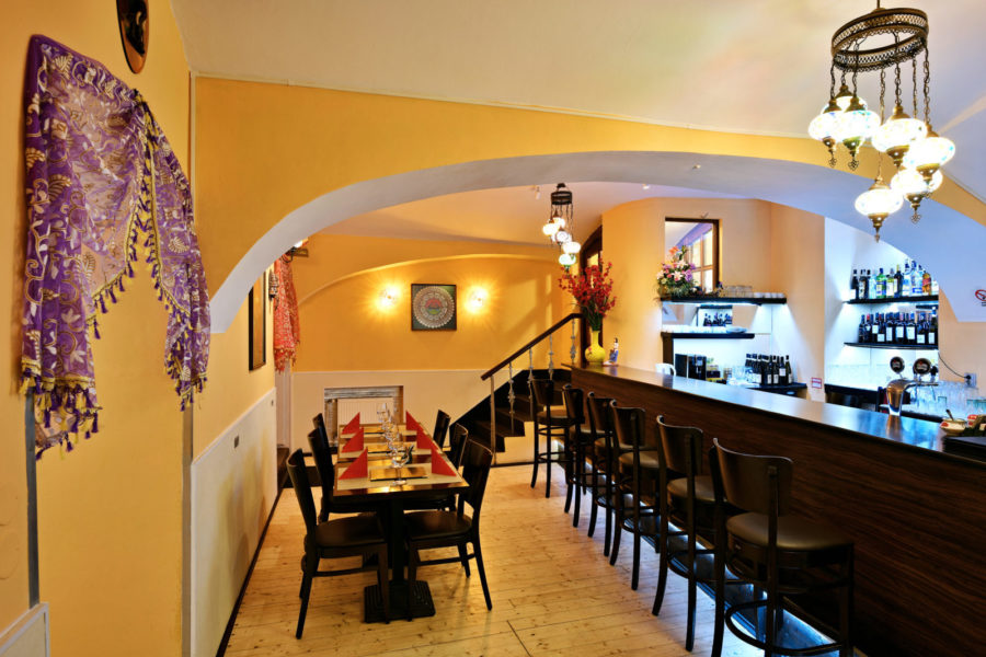 Get Timely Food Delivery in Prague and Enjoy Dinner with Your Family